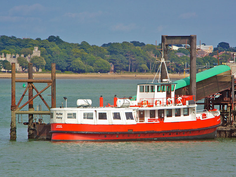 100725_hythe_ferry